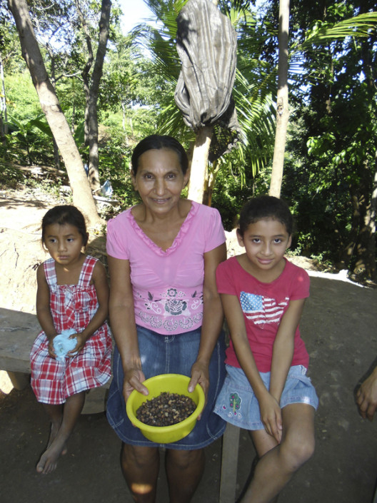 Erika Vohman 2013. Woman from Tajo, Choluteca and her Maya Nut
